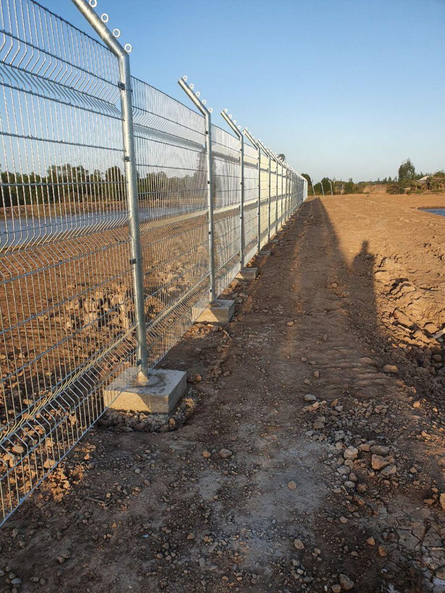 làm hàng rào lưới thép hàn ô vuông